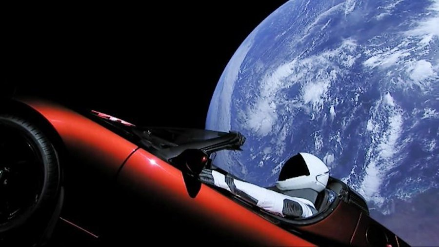tesla-roadster-space-viral-marketing-stunt
